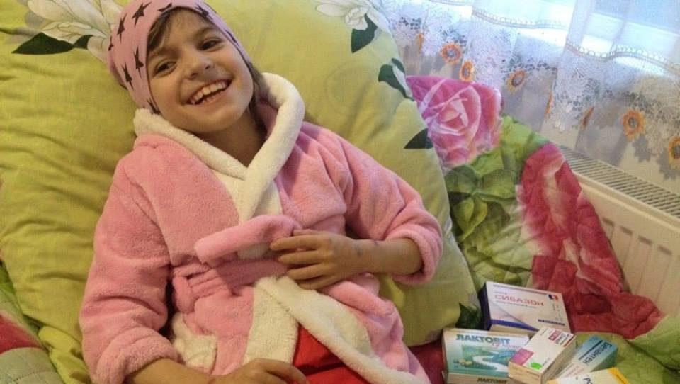 Маленька волинянка потребує допомоги небайдужих людей для боротьби зі страшною хворобою. ФОТО