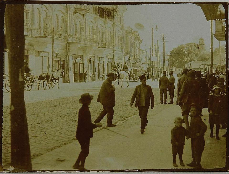 Як виглядала вулиця Лесі Українки у Луцьку у 1910-ті роки. РЕТРОФОТО