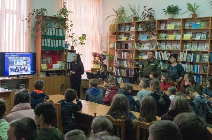 У Маневичах лісівники провели відкритий урок у школі
