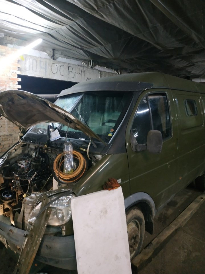 Учасник АТО з Волині подарував автомобіль військовим