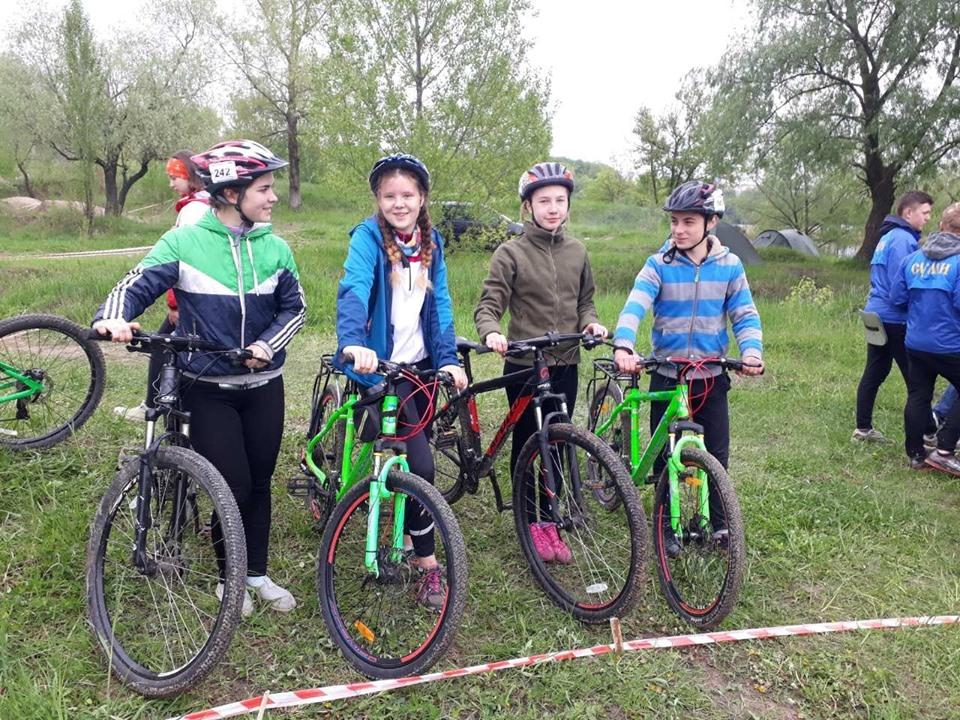 Юні волиняни здобули нагороди з велосипедного туризму на Кубку України