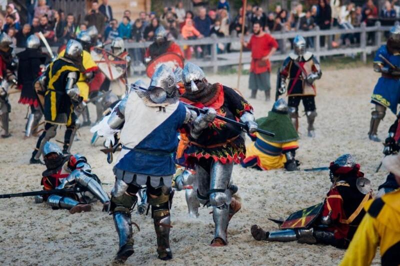 В залізних обладунках під Києвом змагатимуться лицарі з 30 країн світу. ФОТО