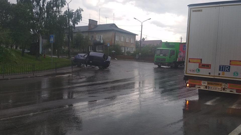 У Горохові сталася ДТП: водій розбив голову