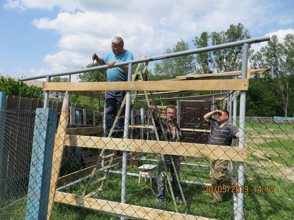 Небайдужих просять допомогти у будівництві підсобного приміщення біля храму у Луцьку