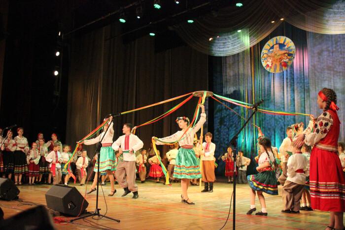 У Луцьку юні таланти виступили із заключним концертом. ФОТО