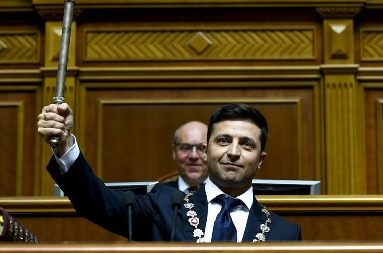 Новообраного Президента запросили на Волинь
