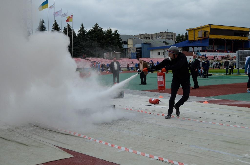 У Луцьку тривають міжнародні змагання рятувальників пам'яті Героїв Чорнобиля. ФОТО. ВІДЕО