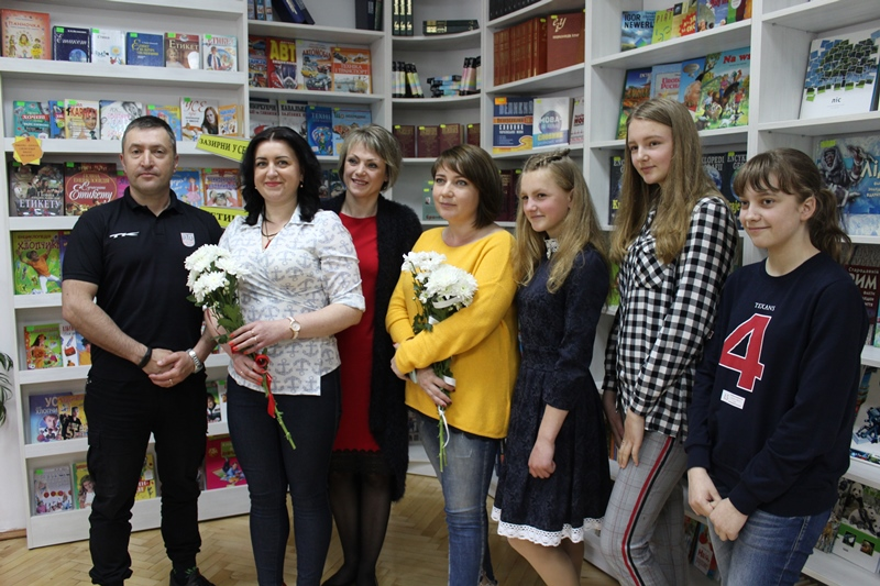 У Луцьку школярів ознайомили з особливостями роботи журналіста та фоторепортера. ФОТО