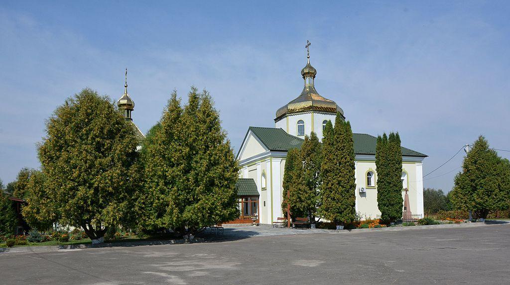 В УПЦ МП заявляють, що прихильники ПЦУ на Волині заблокували будинок священика