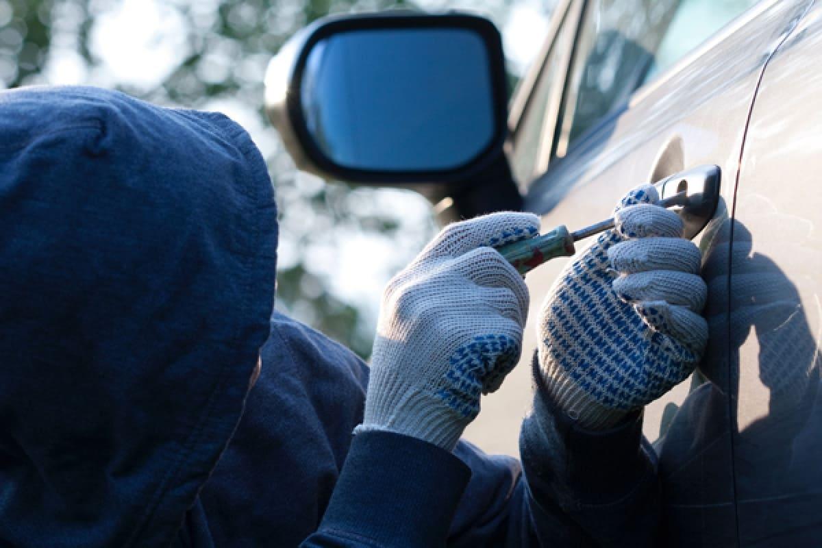 У Луцьку поліцейські викрили групу викрадачів авто. ФОТО