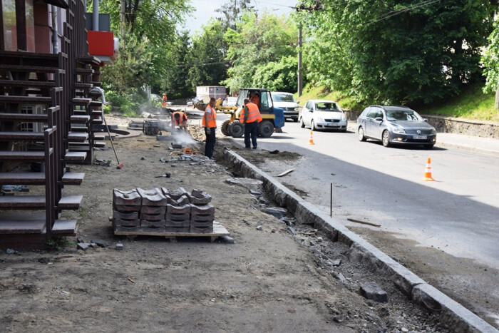 У Луцьку розпочали ремонт однієї з найбільш навантажених вулиць міста