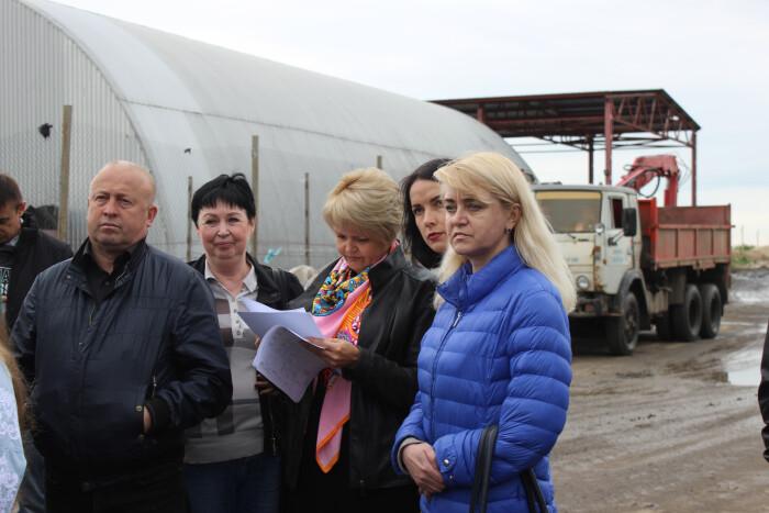 Луцькі депутати побували на полігоні твердих побутових відходів. ФОТО