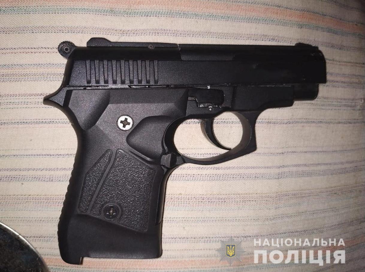 У волинянина вилучили перероблений пістолет