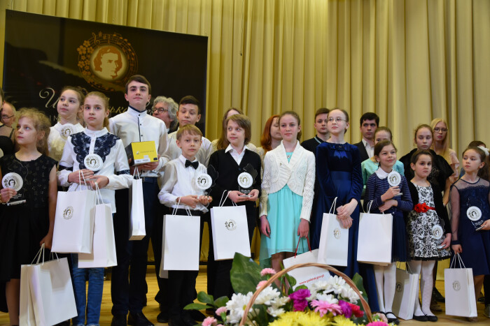 У Луцьку нагородили учасників І Міжнародного конкурсу піаністів