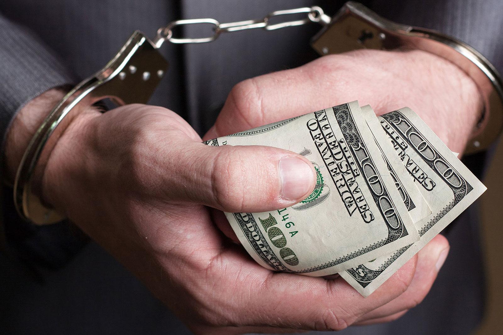 На Волині депутатові місцевої ради загрожує кримінал за отримання хабара