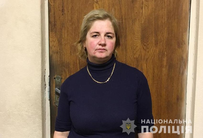 У Луцьку засудили жінку, яка викрадала в жінок прикраси