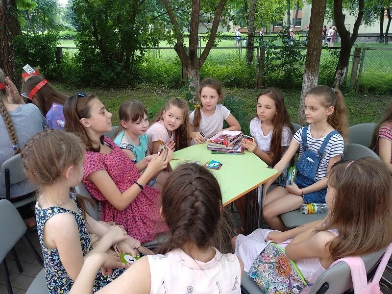 У Луцьку запрошують у літній читальний зал під відкритим небом. ФОТО