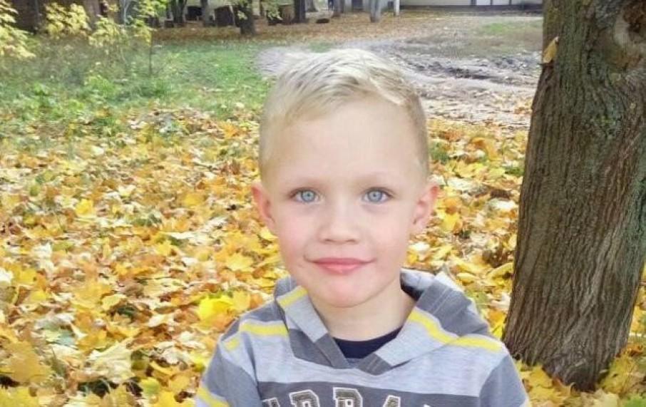 У Луцьку пройшла акція з вимогою покарати винних у смерті дитини. ВІДЕО