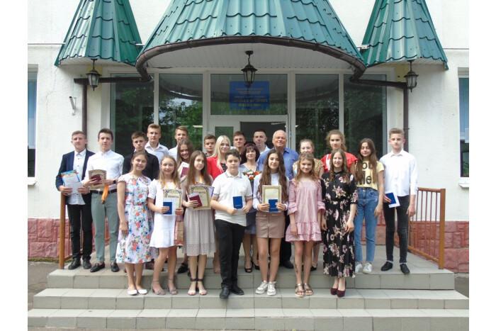 У луцькій музичній школі № 2 відбулося свято випускників