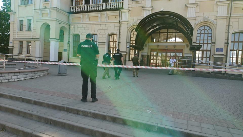Поліція повідомила деталі про замінування у Луцьку