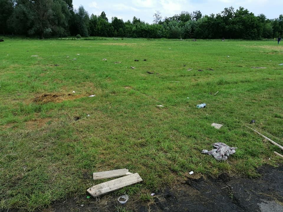 У Луцьку на іподромі після концерту Винника залишилось сміття. ФОТО