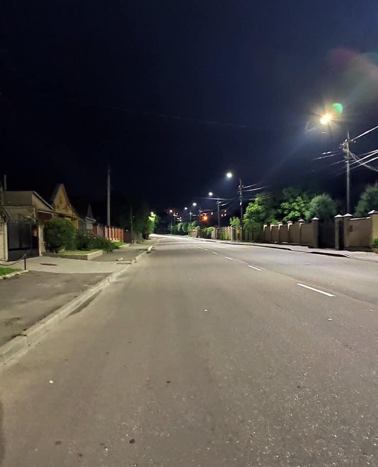 На одній з вулиць Луцька облаштували нове LED-освітлення. ФОТО