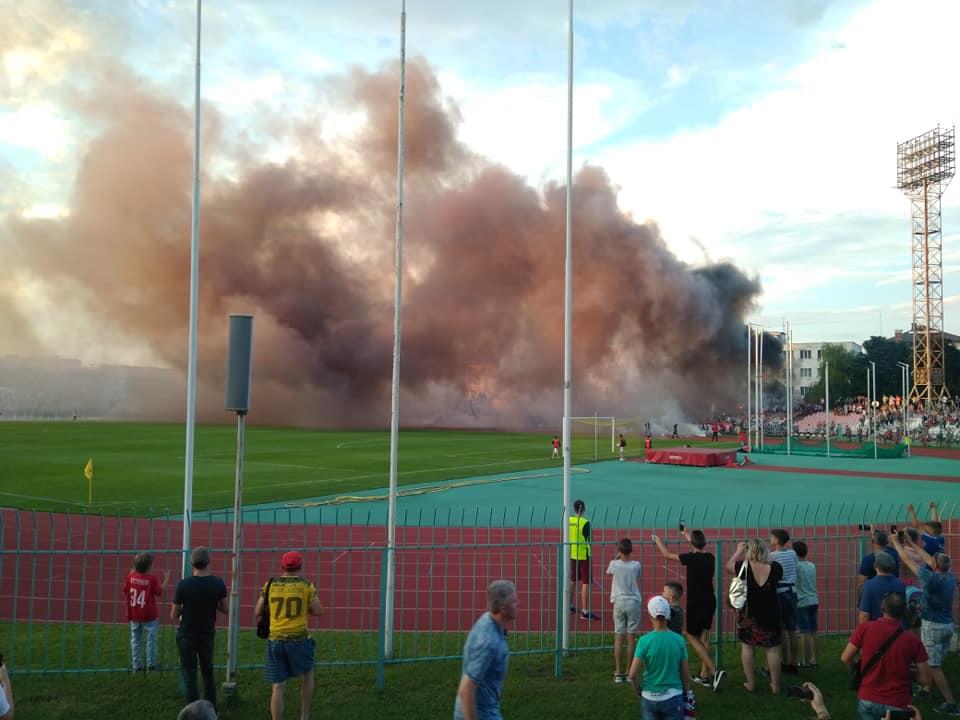 Поліція розслідує умисне пошкодження майна під час футбольного матчу в Луцьку