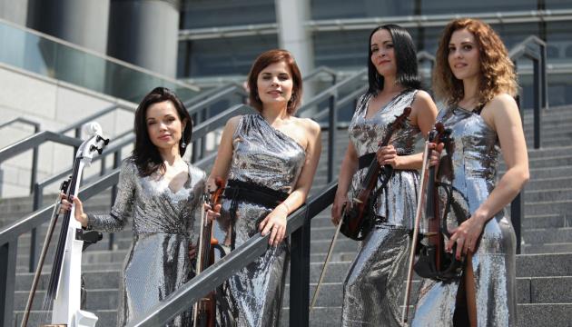 Українські скрипальки зіграли гімн Ліги чемпіонів у Мадриді