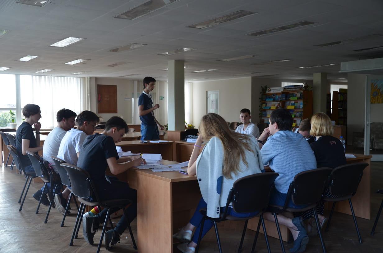 На дебатах молоді у Луцьку визначили найкращих. ФОТО