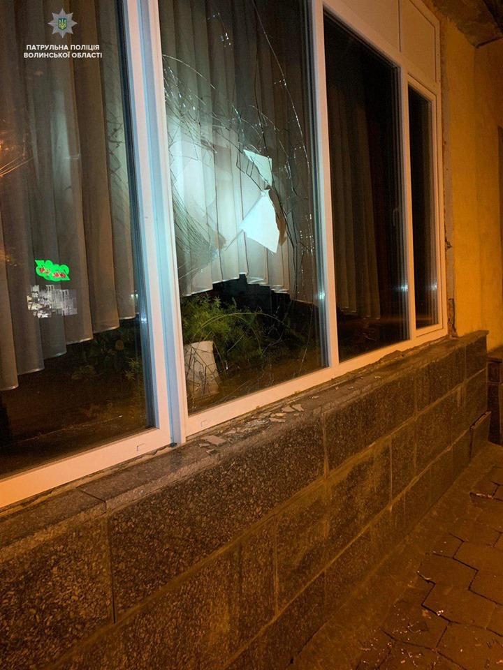 У Луцьку затримали двох неповнолітніх хуліганів