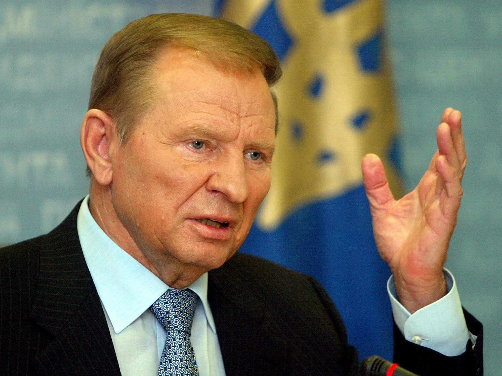 Леонід Кучма запропонував не стріляти у відповідь на Донбасі