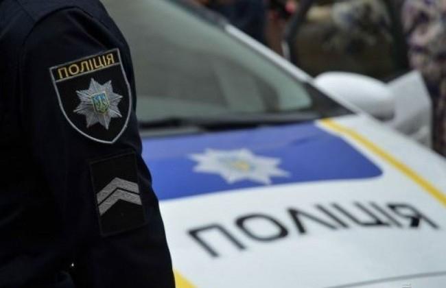 Луцькі патрульні виявили двох осіб із речовинами, схожими на наркотичні