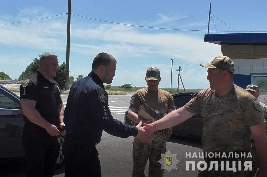 Фацевич вручив відзнаки бійцям роти поліції особливого призначення «Світязь»