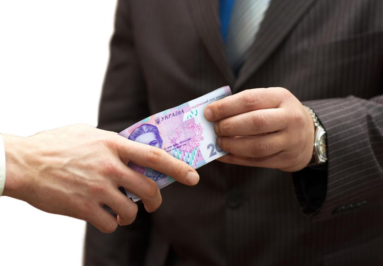 Директора волинського державного підприємства підозрюють у вимаганні 70 тисяч гривень