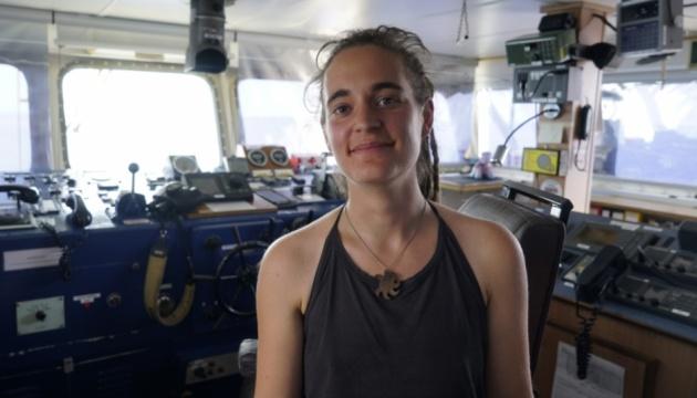 Італія затримала капітана судна з мігрантами, що проігнорувало її заборону