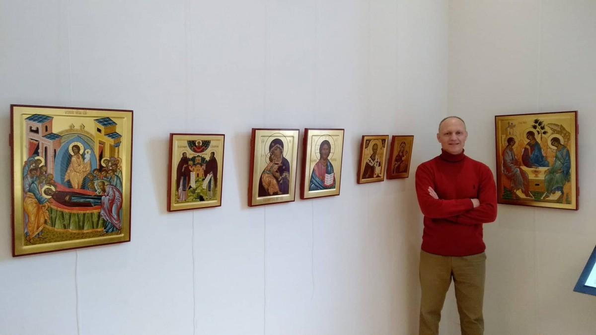 У Луцьку виставка художників, які освоїли мистецтво іконопису