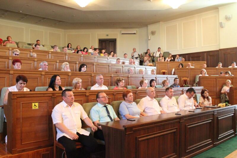 Медичних працівників Луцька привітали з професійним святом. ФОТО