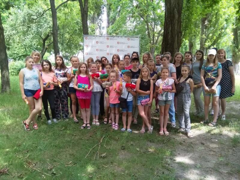У Луцьку діти, які потребують соціальної підтримки, власноруч виготовляли ековироби. ФОТО