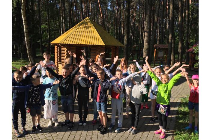 Діти зі складних сімей відпочивають і оздоровлюються у дитячому таборі