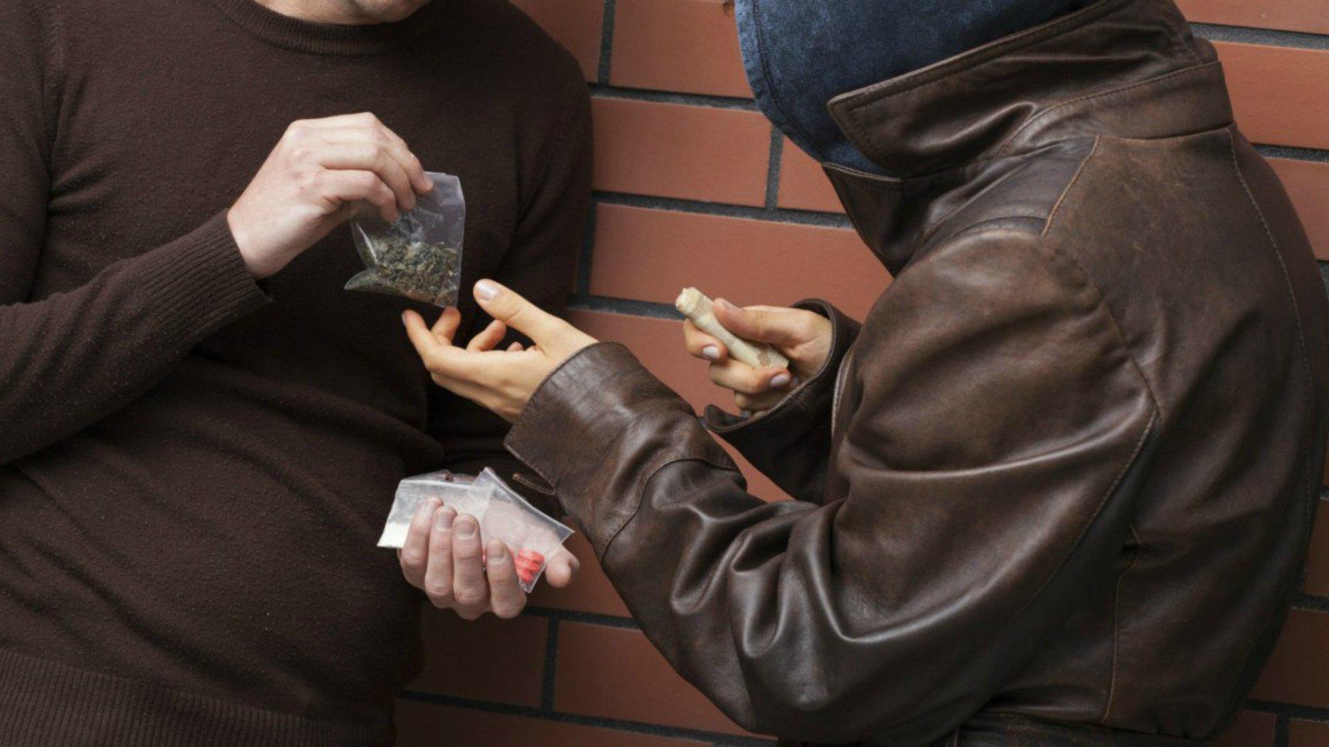 На Волині затримали двох продавців наркотиків