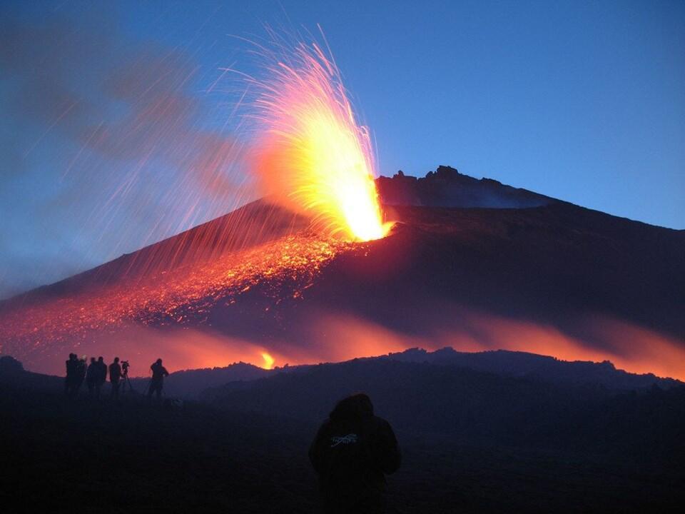 В Італії вулкан «ожив» і заблокував роботу двох аеропортів