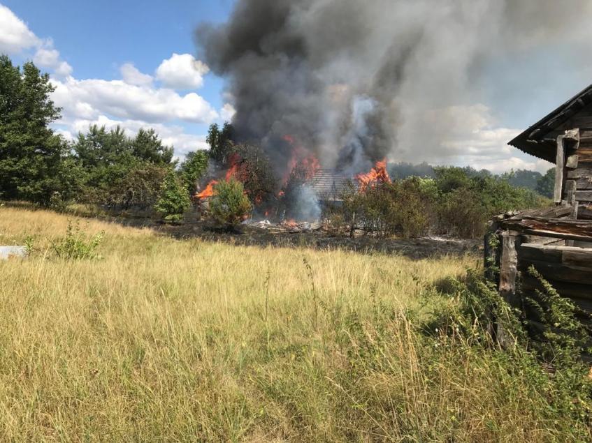 На Волині згоріло два будинки