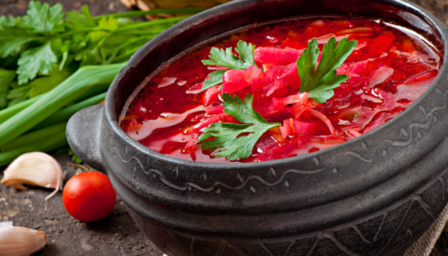 Українці в Барселоні зварили 70 літрів борщу для міжнародного фестивалю супів. ФОТО