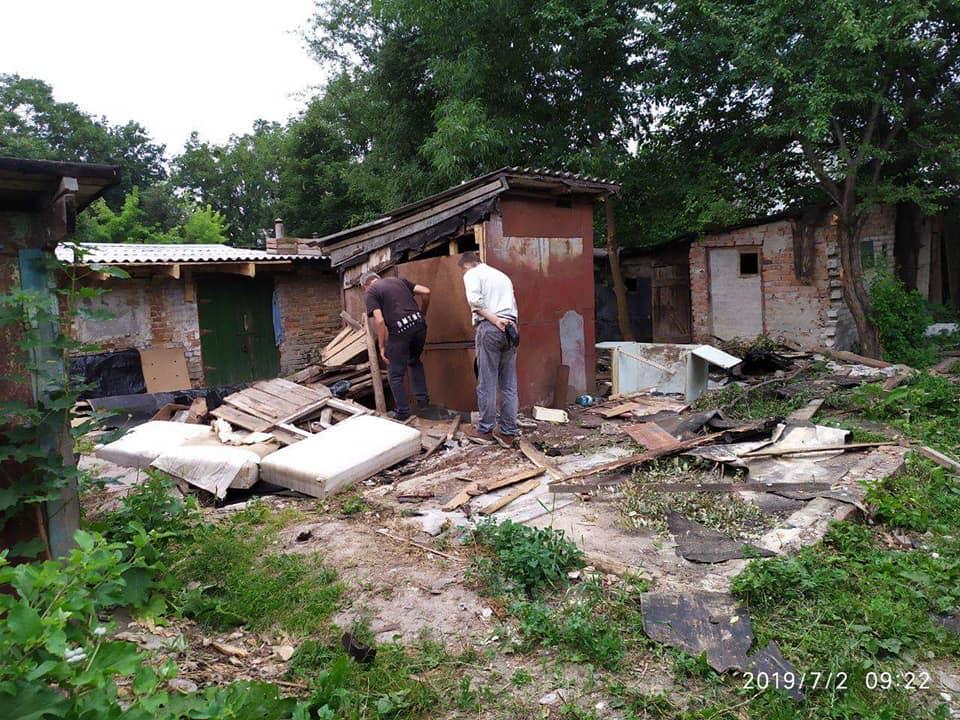 У Луцьку продовжують демонтаж самовільно розміщених споруд. ФОТО