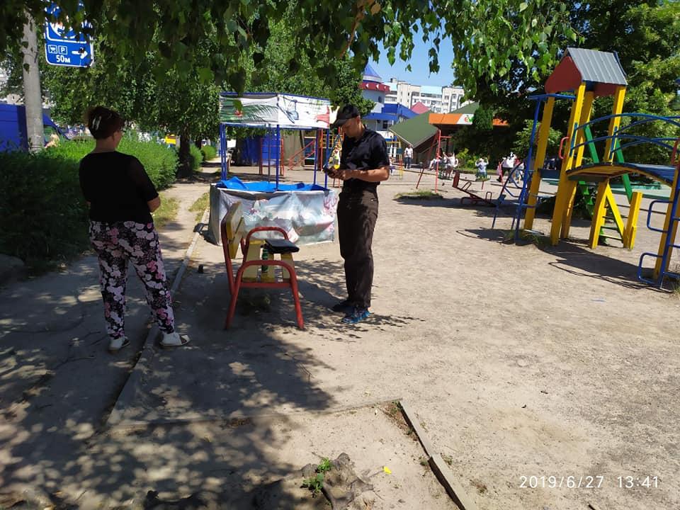 У Луцьку зафіксували продаж алкоголю сумнівної якості. ФОТО