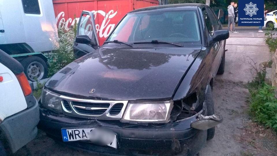 У Луцьку затримали водія, який здійснював різкі маневри та наїжджав на дорожні знаки