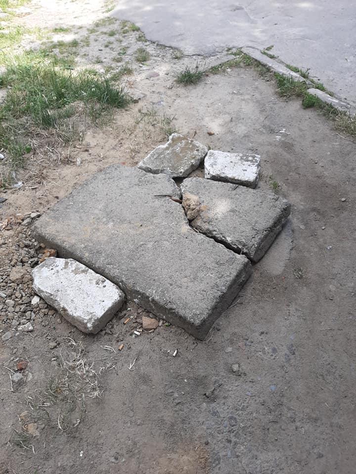 У місті на Волині виявили небезпечний люк