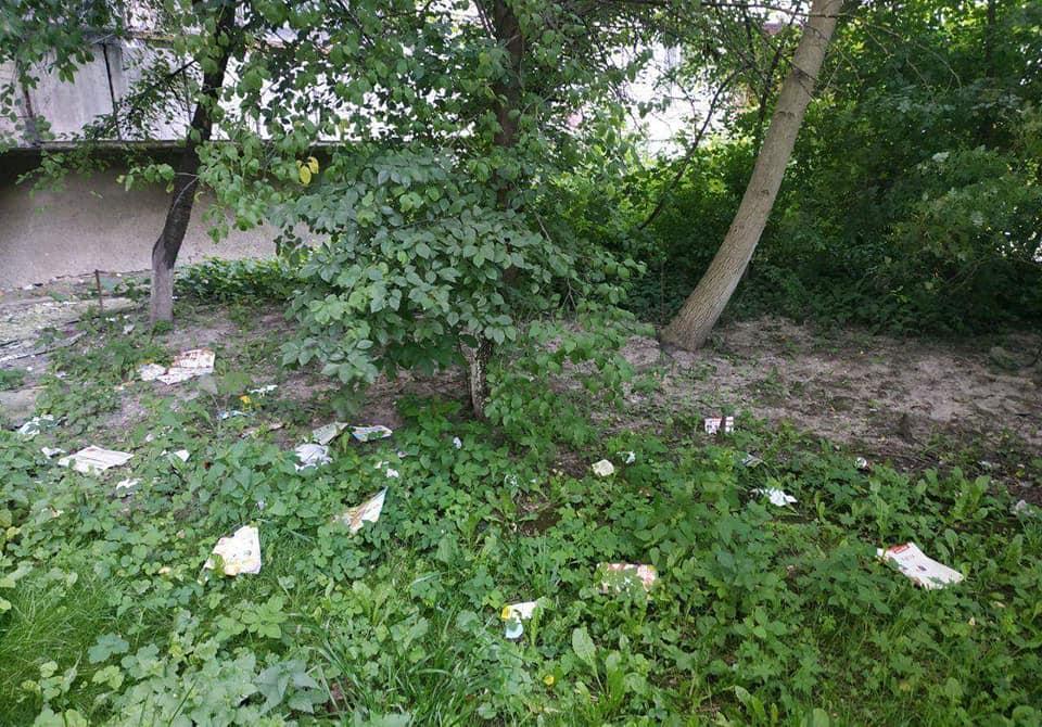 У Луцьку чоловік, який викидав сміття через вікно своєї квартири, заплатить 300 гривень штрафу