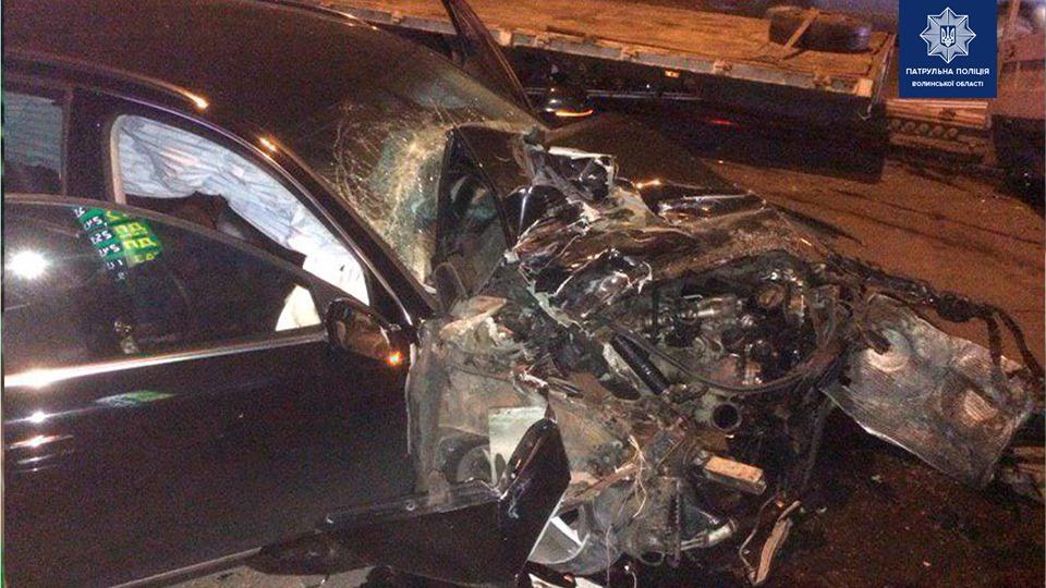 У Луцьку п'яний водій врізався у вантажівку