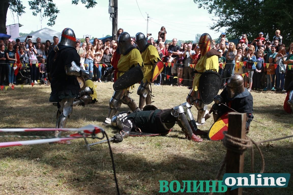 На «Княжому» показали справжні середньовічні бої. ФОТО
